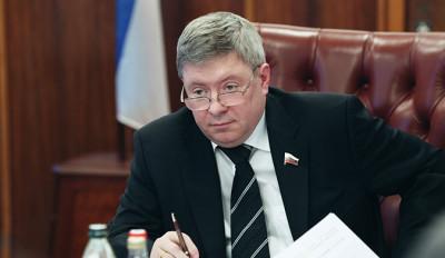 Сенатор предложил селить сирот на Северном Кавказе